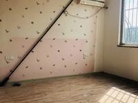 南北通透,卧室南面,享受全天阳光,使用面积大,还有加盖阳光房大约20平