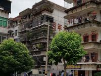 出售妈祖新村4室2厅2卫160平米90万住宅