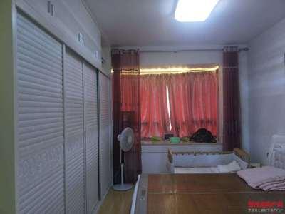 精装端头大四房 带双阳台 采光通风好 繁华地段让您生活更便捷