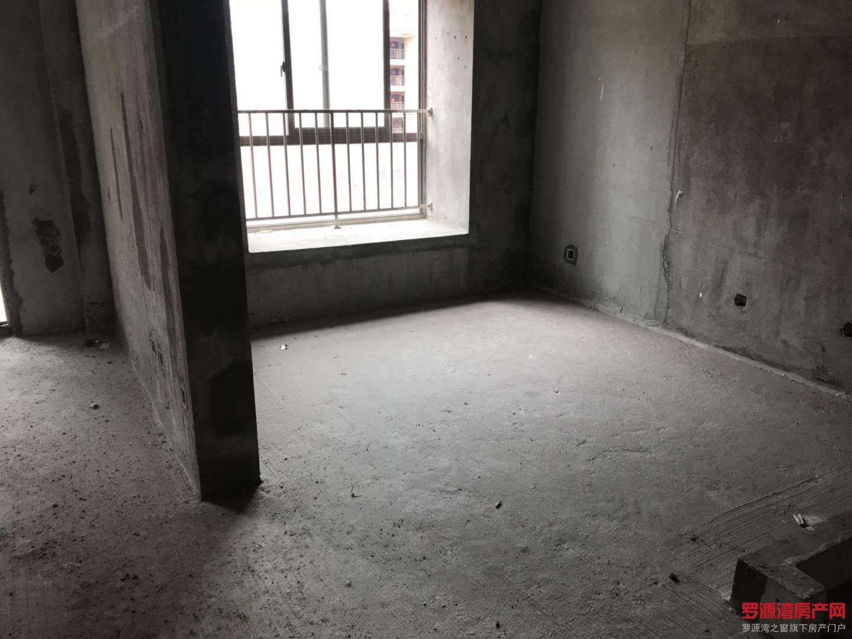 罗源滨海单身公寓临近购物中心旁 房东需置换 诚心出售