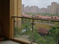 滨海新城143四房出租,居家装修居住舒服。