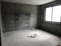 东方新城D区,顶楼复式,使用160多,大五房,价格实惠,诚意出售!