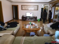 出售闽源商城4室2厅2卫165平米88万住宅