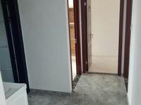 6区大三房 全新装修未入住 月租1800包物业