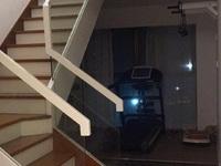 东方星城复式楼精装带车位127平使用面积达210平左右仅售185万