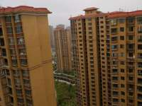出售滨海高层简装房,高层视野空气好,57万。