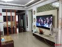 出售闽星佳园电梯单元房,130平,精装,83万实收。