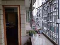 出售川景花园4室2厅2卫140平米65万住宅