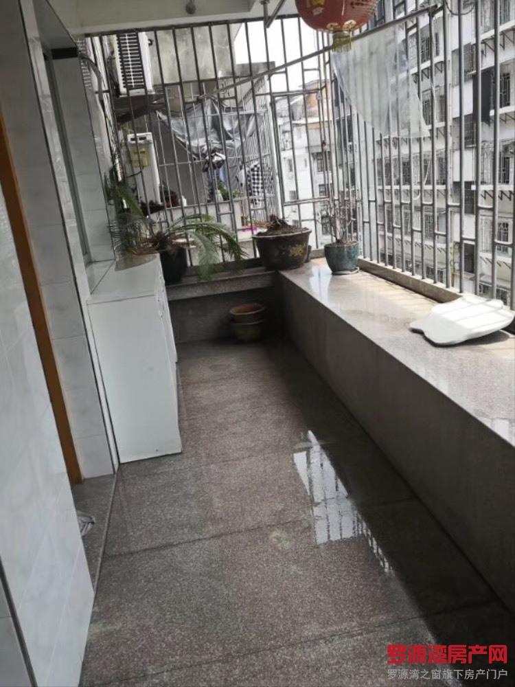 出售凤安家园3室2厅2卫126平米66万住宅