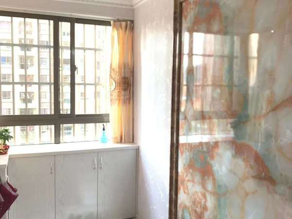 罗源滨海市场旁143平精装端头四房装修三十万 入住未满一年 仅售82万