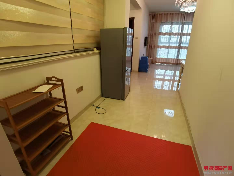 滨海购物中心旁 家具家电齐 看房有钥匙:17759876789