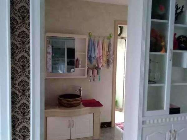 滨海12区 稀缺精装三房 家具家电齐 看房:17759876789