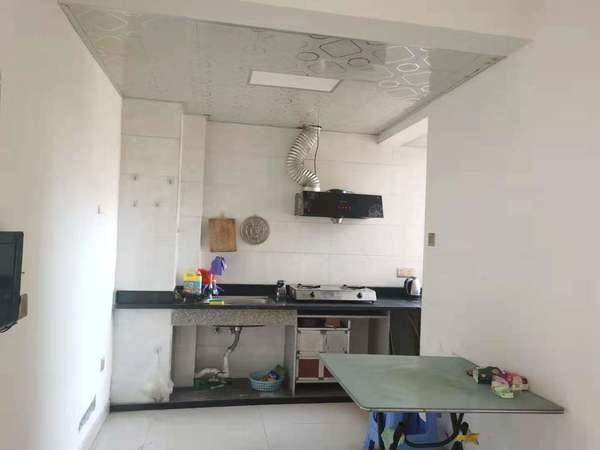 滨海新城 六区 罗富苑 单身公寓 租金1100/月 包物业!