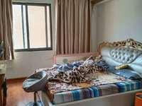 金骏华府中高层精装修,132平,大三房,首付只需十几万,售价70万。
