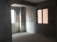 出售东方星城D区,毛坯,106平,中层,80万,联系18250194766