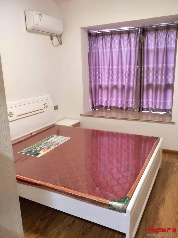 12区精装单身公寓出租 1200包物业