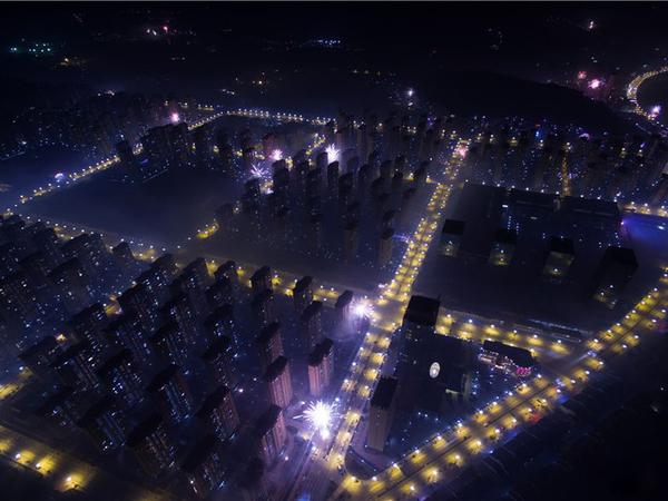 农贸市场旁,高层采光亮堂,居家好户型,128平方仅售50还赠送车位。