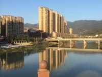 划片实验小 出售东环新村73平米30万住宅