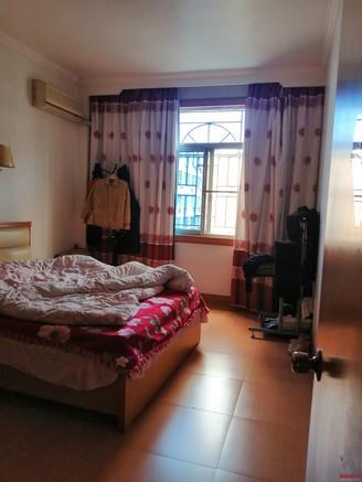 出售学前新街3室2厅2卫129平米57万住宅