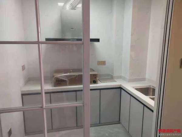 12区全新装修两房82平1400包物业