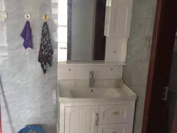 出租滨海新城罗玉苑 13区 2室2厅1卫82平米1200元/月住宅