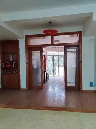 首付9万买川景花园4室2厅2卫148平米50万
